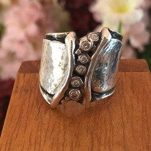 R1441 Silpada Hammered Sterling Silver 6 CZ Ring